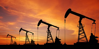 Oil price spurts up